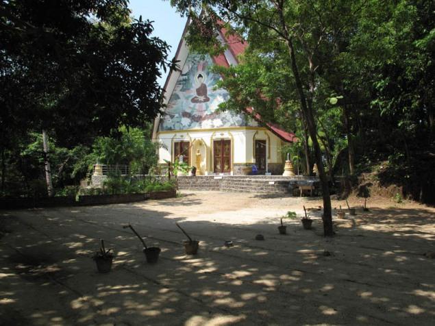 Koh Phangan Wat Kow Tham retreat 6